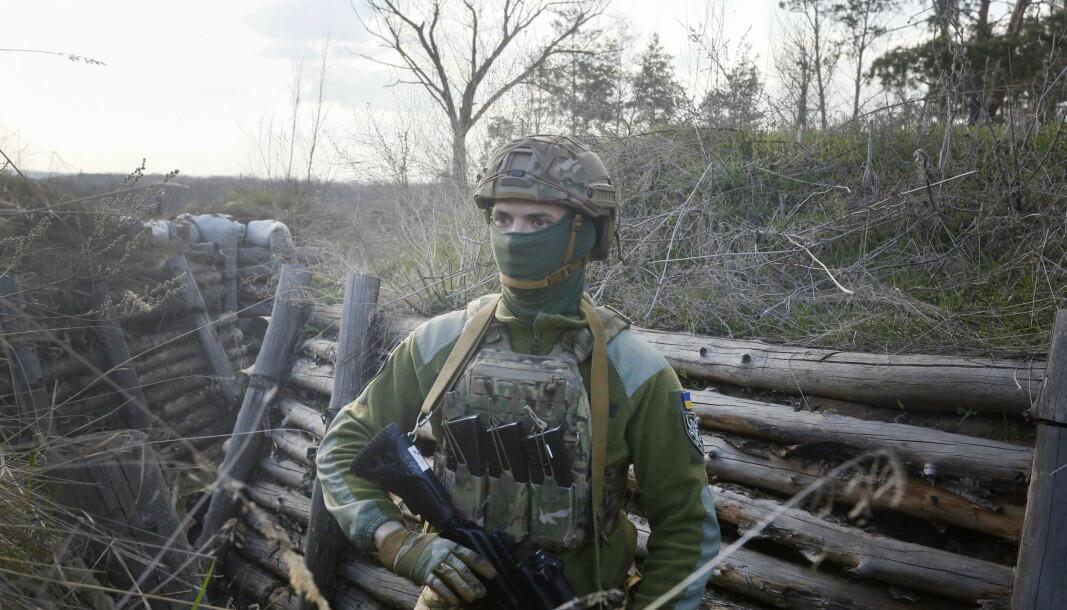 UKRAINA: En ukrainsk soldat på frontlinjene i nærheten av Luhansk.