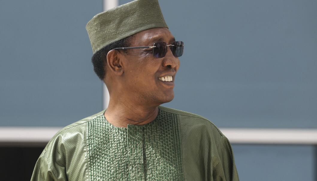 DØD: President Idriss Déby på et bilde tatt under et toppmøte i Mauritania i fjor sommer.