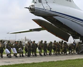Russiske styrker på vei bort fra grensen mot Ukraina