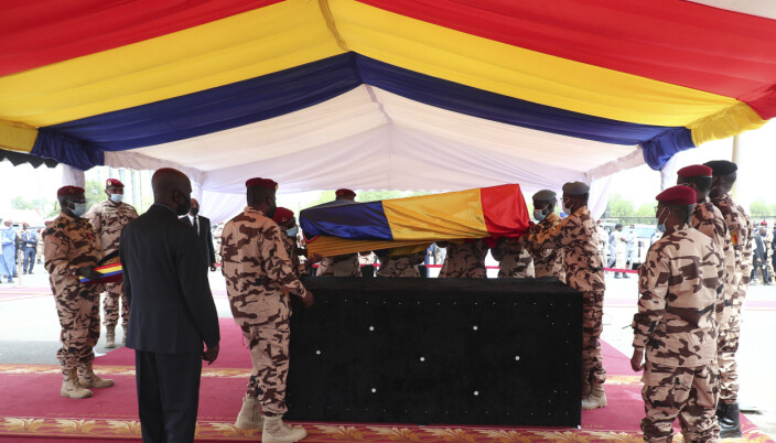 Tsjads drepte president Idriss Déby ble gravlagt fredag.