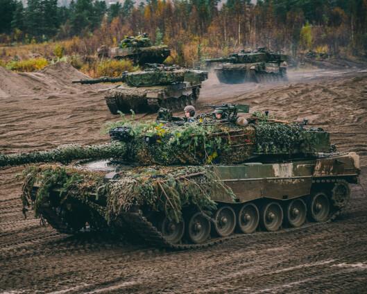 Forsvarssektoren gir 40 milliarder kroner til nærområdene, mener regjeringen