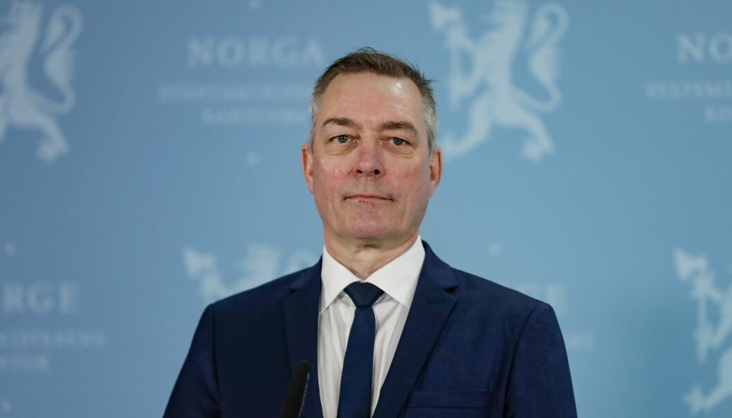AVTALE: Forsvarsminister Frank Bakke-Jensen skriver at forsvarsavtalen med USA ikke bryter med Grunnloven