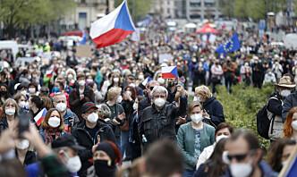 Ekspert om de russiskvennlige miljøene i Tsjekkia: – Et helt økosystem