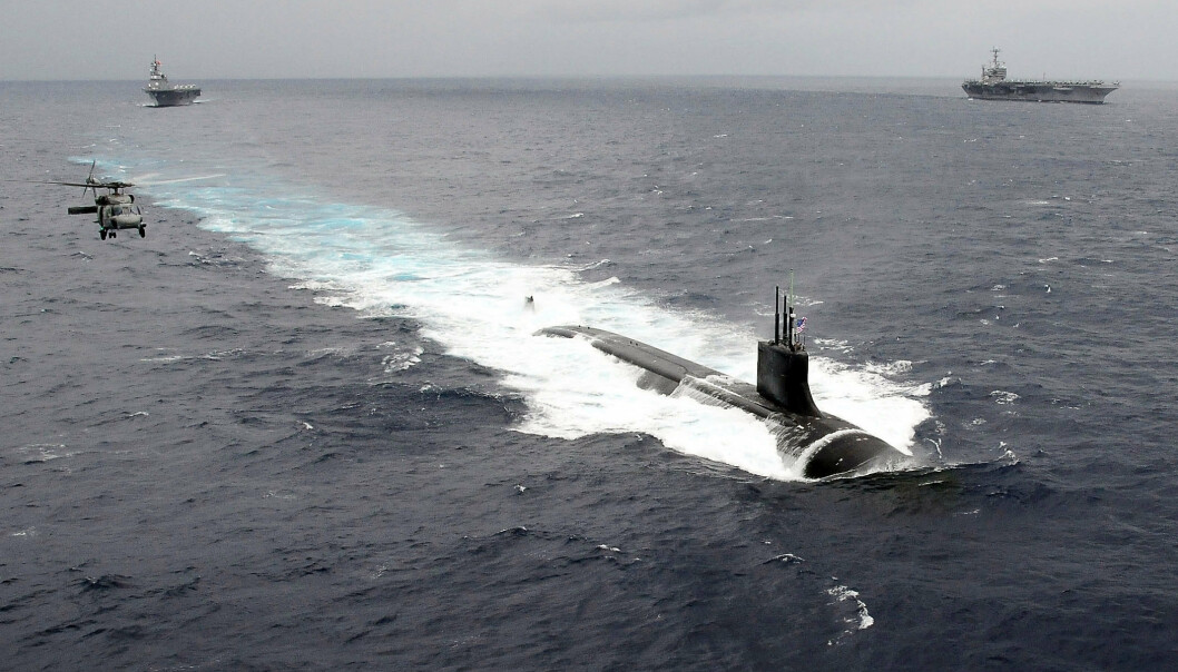 ØVELSE: Ubåten USS Seawolf på øvelse sammen med hangarskip i Stillehavet. Denne ubåten dukket opp utenfor Tromsø i august 2020.