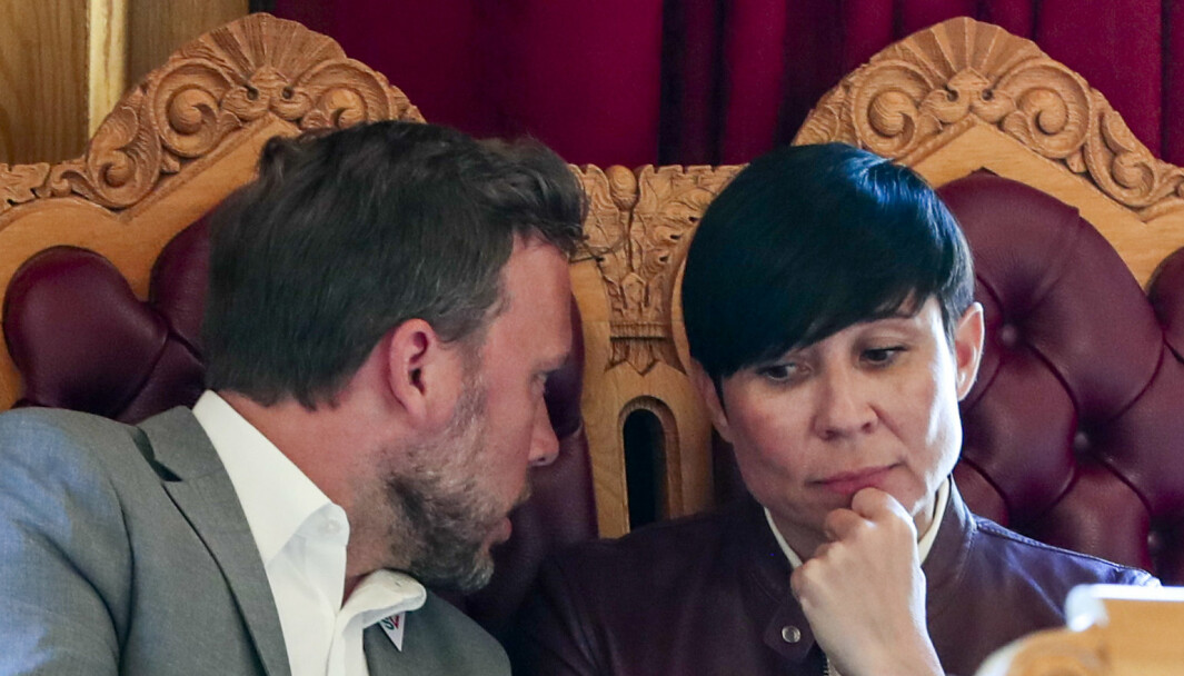 KRITISK: SV-leder Audun Lysbakken (t.v.) er sterkt kritisk til Utenriksdepartementet, her ved utenriksminister Ine Eriksen Søreide (H).