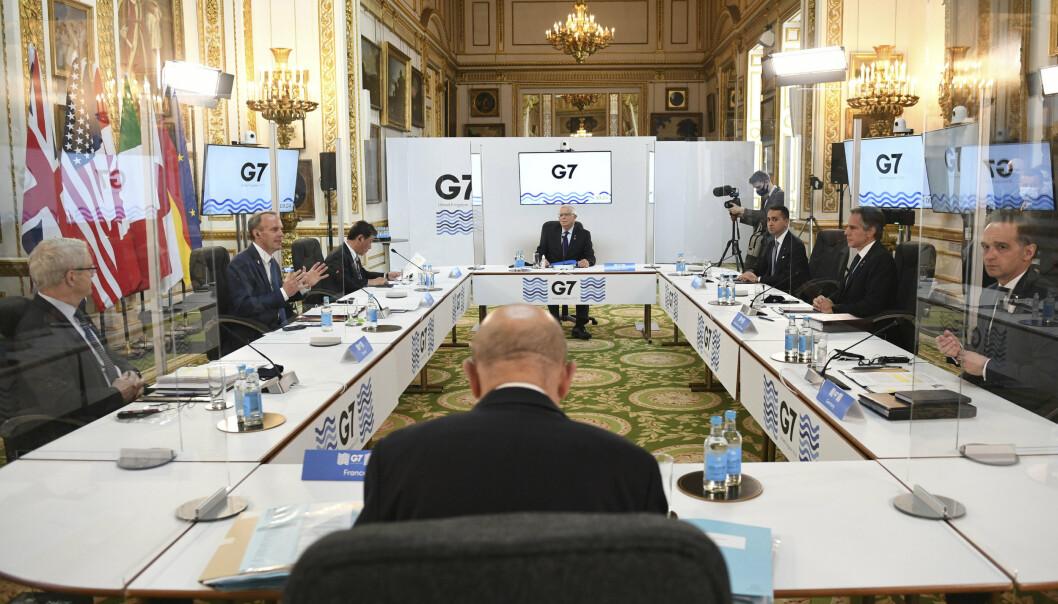 SMITTEVERN: Utenriksministrene i G7-gruppen holdt god avstand under de fysiske møtene i London denne uken.