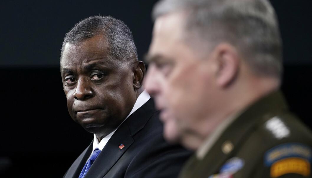 FORSVARSMINISTER: USAs forsvarsminister Lloyd Austin og forsvarssjef, general Mark Milley på en pressekonferanse i Pentagon.