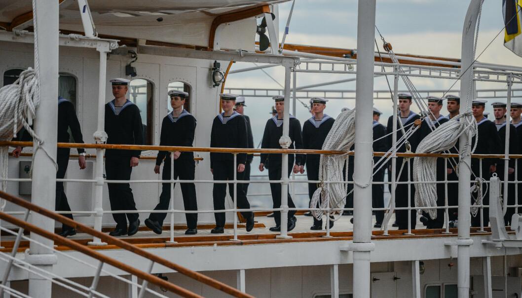 """INSPEKSJON: Mannskapet har stått på for å få alt """"shipshape"""" til inspeksjonen"""