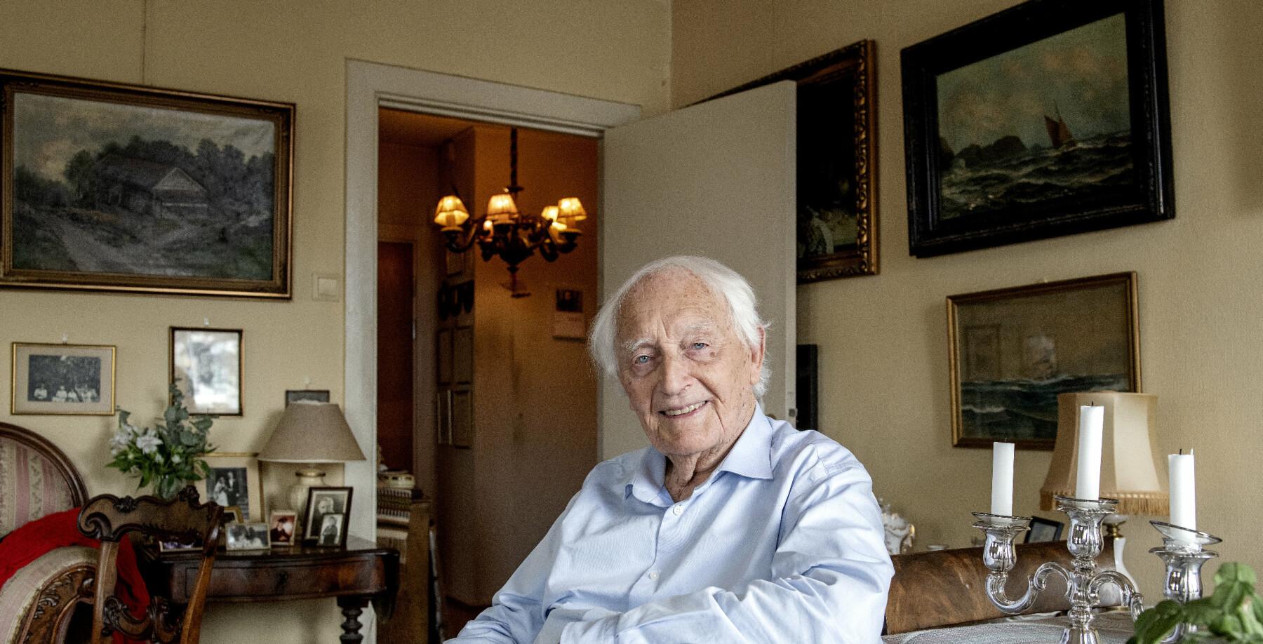 August Petro Theodor Olsen Rathke (født 11. desember 1925) er en norsk motstandsmann og politiker, aktiv i motstandsbevegelsen under andre verdenskrig. (Wikipedia)