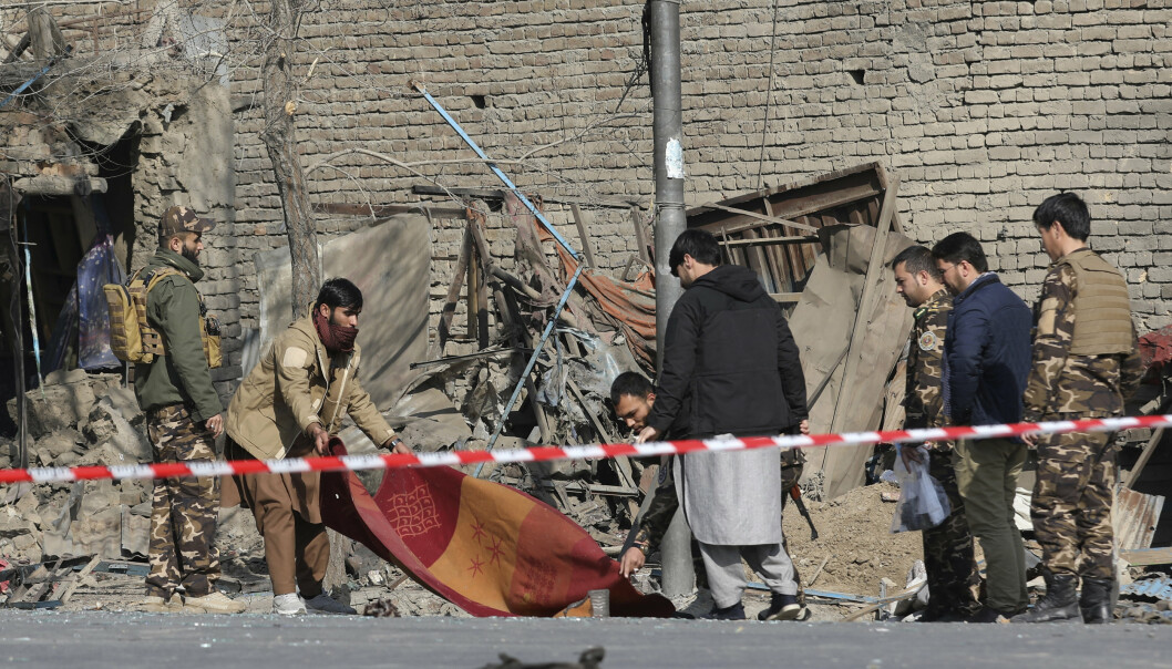 ANGREP: Taliban er mistenkt for å stå bak flere veibombeangrep. Bildet er fra en bombing i Kabul, tidligere i år.