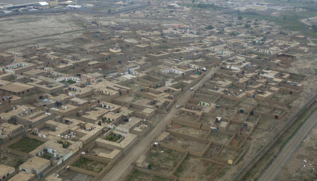 FLYBILDE: En forstad utenfor Kabul.