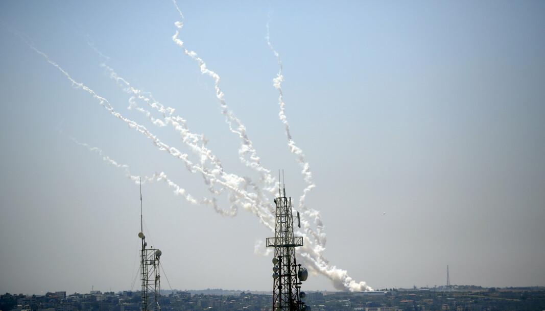 ANGREP: Raketter på vei fra Gazastripen mot Israel torsdag.