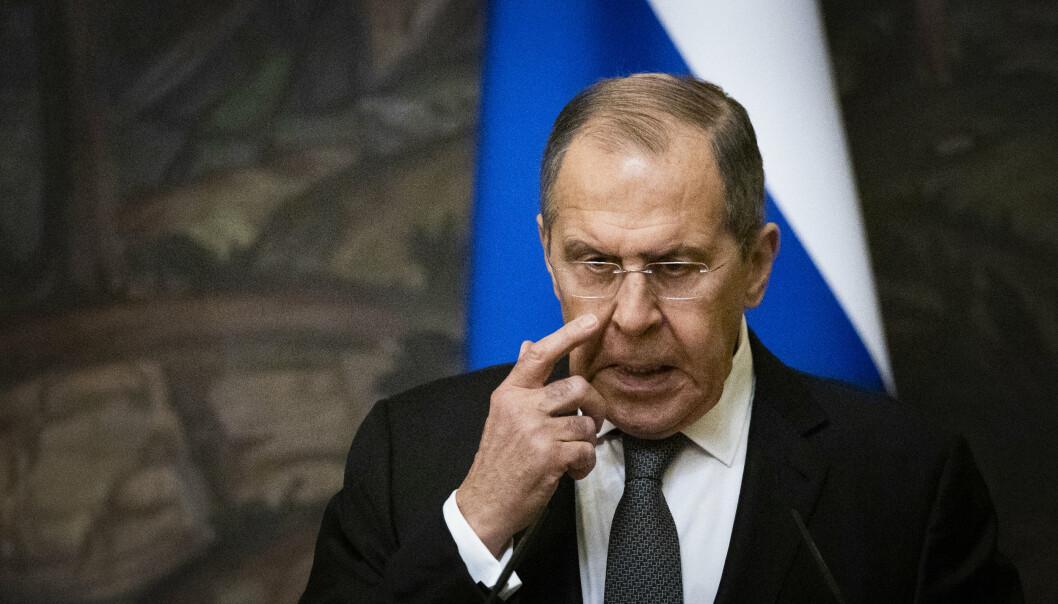 ADVARER: Russlands utenriksminister Sergej Lavrov advarer Norge og Vesten.