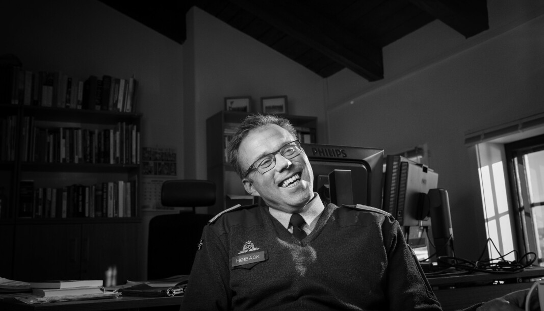 VAFLER: Nestkommanderende ved Forsvarets museer,oberstløytnant Harald Høiback mener verdien av å ha tilgang på nok søvn, vannklosett, og vafler under øvelser, er etter hans syn undervurdert.
