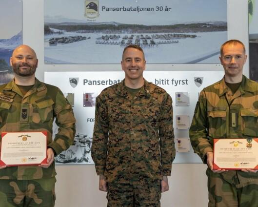 Fikk tildelt det amerikanske marinekorpsets fortjenestemedalje