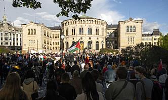 Flere tusen demonstrerte foran Stortinget mot israelske angrep på Palestina