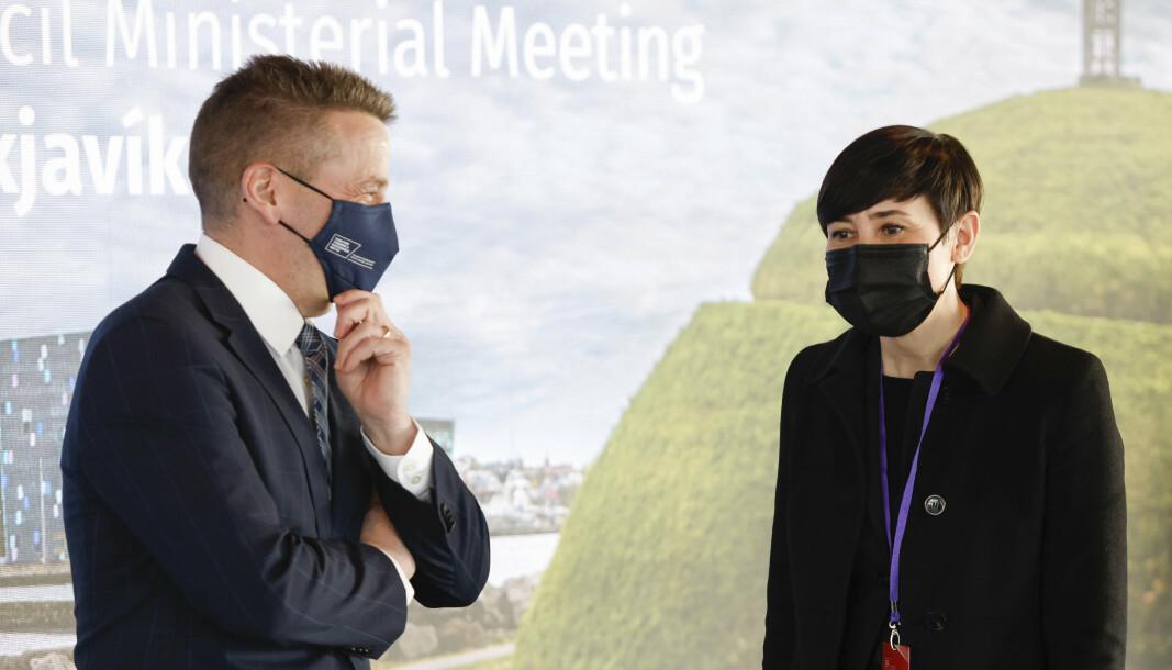 Ine Marie Eriksen Søreide og den islandske utenriksministeren Gudlaugur Thor Thordarson ankom Arktisk råd på torsdag.
