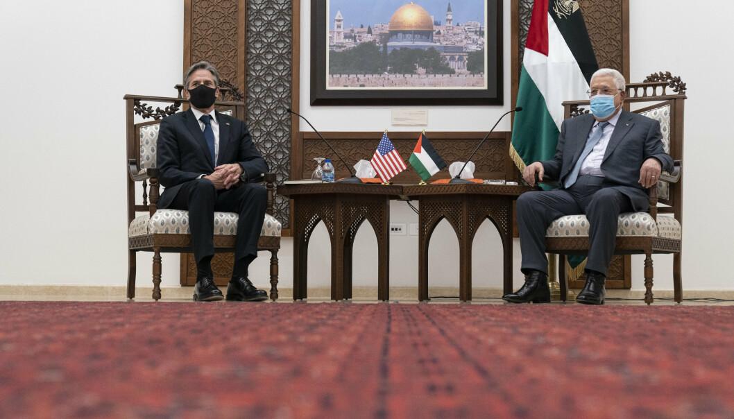 MØTE: USAs utenriksminister Antony Blinken i samtale med palestinernes president Mahmoud Abbas i Ramallah.
