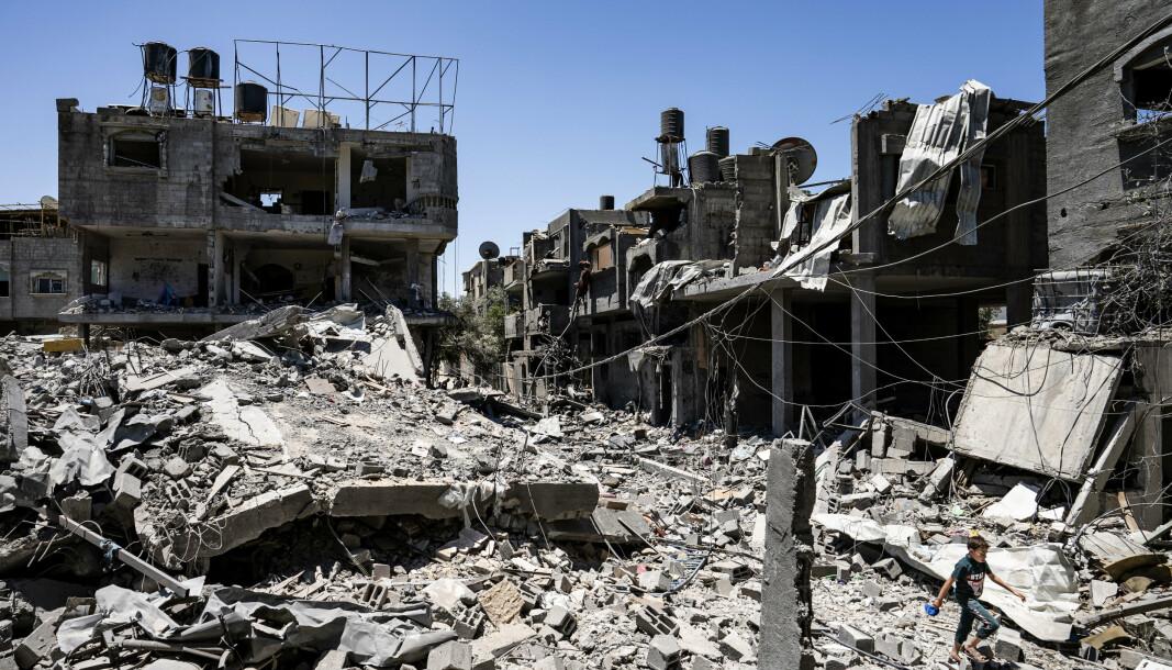 BOMBET: Flere boligblokker ble bombet. FNs høykommissær for menneskerettigheter etterlyser bevis for at disse ble benyttet til militære formål.