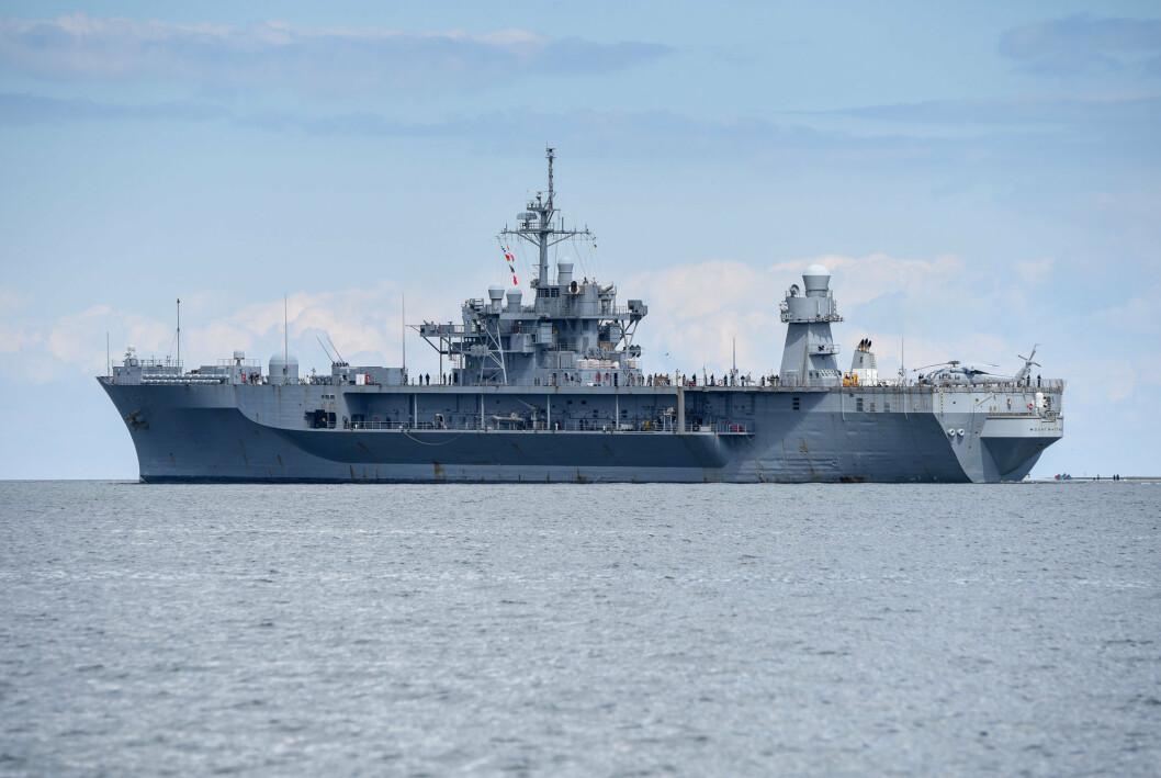 USS Mount Whitney utenfor Kiel i Tyskland. Nå kommer fartøyet til Norge.