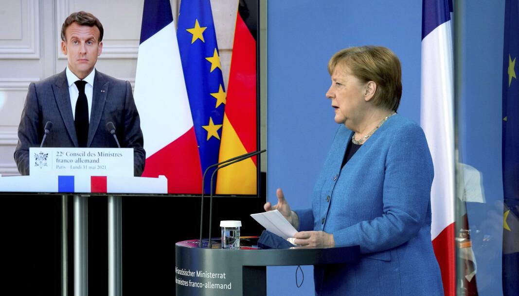 UAKSEPTABELT: Frankrikes president sier det er uakseptabelt å spionere på allierte. Angela Merkel stiller seg bak.