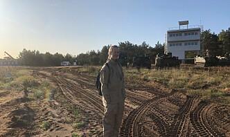 På øvelse med litauiske styrker ble øvelsen satt på pause, og ting ble pakket ned hver kveld så de kunne sove på brakka