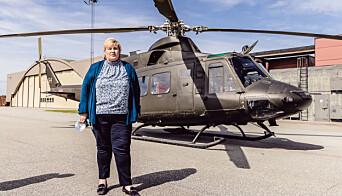HELIKOPTER: Statsminister Erna Solberg besøkte Rygge hvor hun fikk se flystasjonen fra et Bell 412.