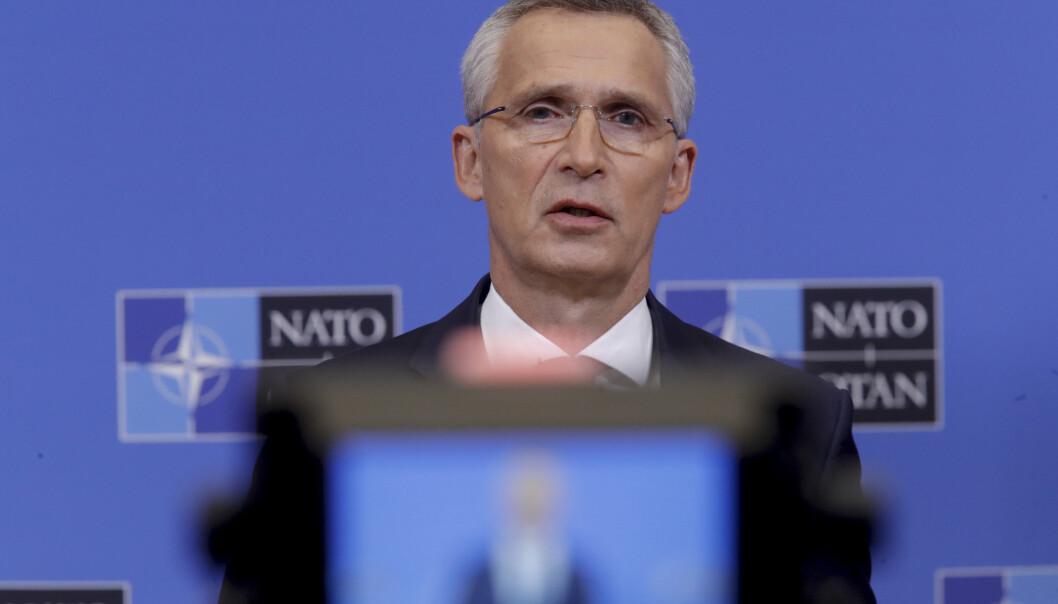 TOPPMØTE: Om to uker er Jens Stoltenberg vert for Boris Johnson og resten av Nato-landenes ledere på forsvarsalliansens toppmøte. Ved klimatoppmøtet i november er rollene byttet om: Johnson er vert og Stoltenberg deltaker. Han er den første Nato-sjefen som deltar på et slikt toppmøte.