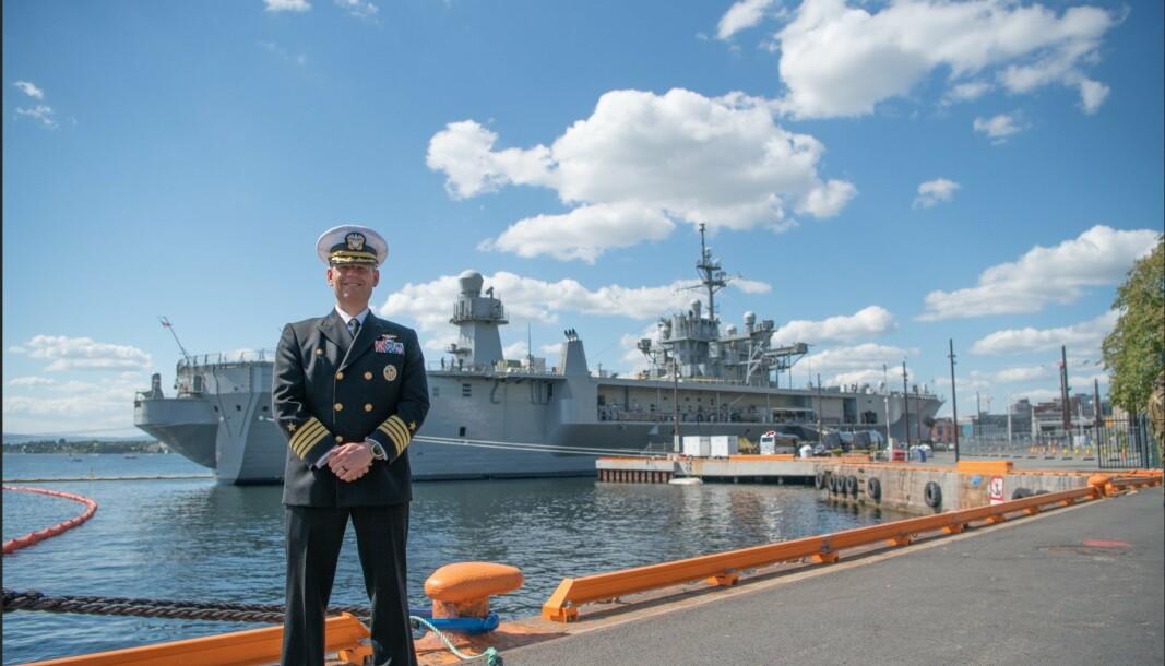SKIPSJEF: Kommandør David Pollard er skipssjef for det amerikanske kommandoskipet som ligger til Kai på Akershus i Oslo.