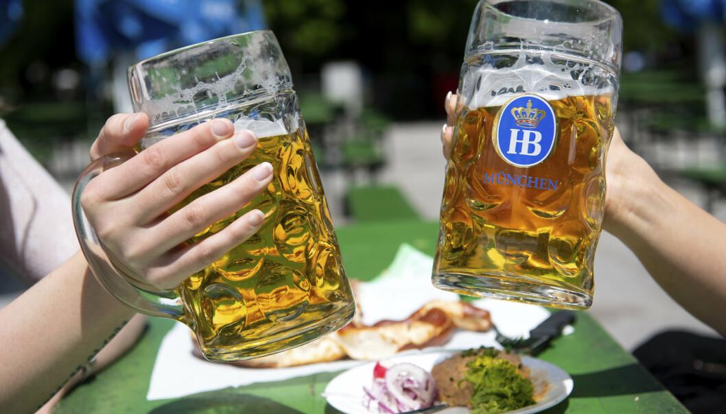 TO OM DAGEN: Tyske soldater har vanligvis rett på to bokser øl om dagen.