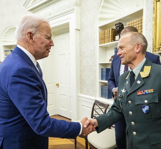 Gjermund Eides beste triks for velferd på øvelse: Tjenestegjør på en stridsvogn!