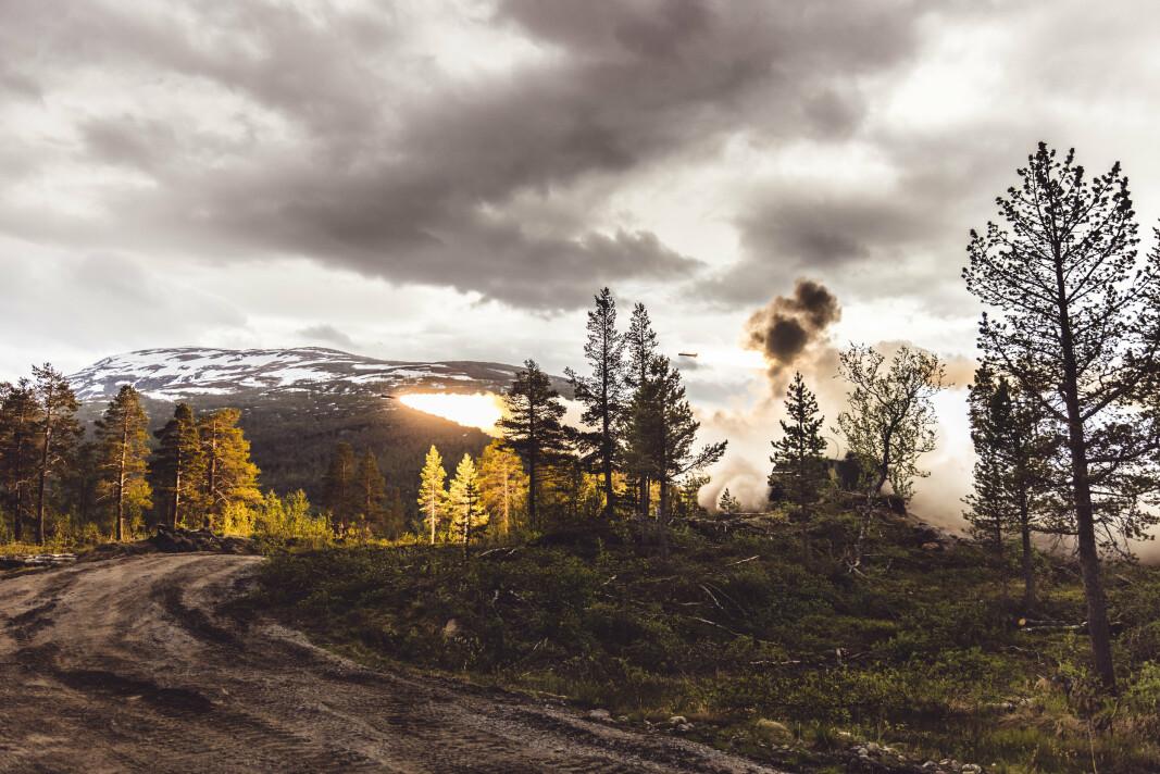 RAKETTARTILLERI: I et skytefelt på Setermoen skjøt en amerikansk avdeling rakettartilleri under øvelse Thunderbolt.