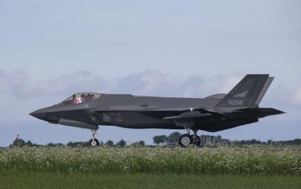 – F-35 kan operere under et mye høyere trusselnivå enn F-16
