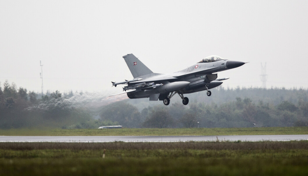 AVSKJÆRING: De siste årene har Danmark vært utsatt for flere grensekrenkelser av russiske fly. Bildet viser et dansk F-16.