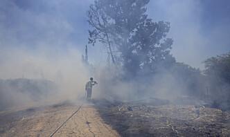 Israelske luftangrep mot Gaza etter angrep med brannballonger