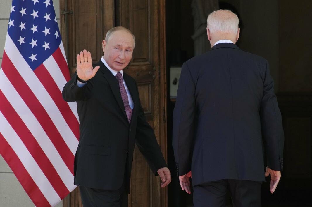 TOPPMØTE: Russlands president Vladimir Putin og USAs president Joe Biden under toppmøtet i Geneve.