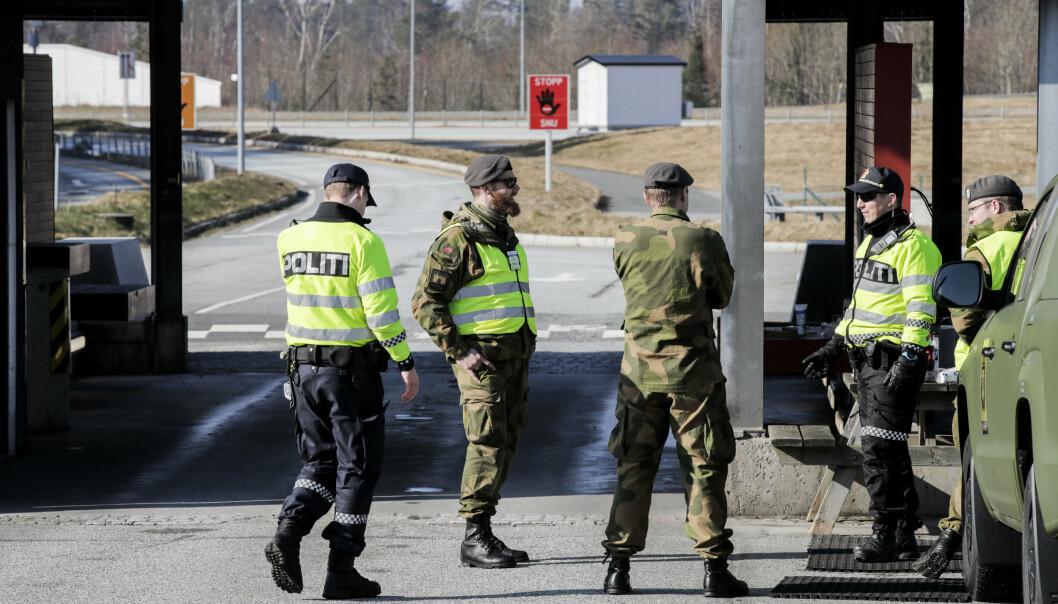HJELP: Heimevernet var også i mars på plass ved grensen mellom Norge og Sverige på Svinesund. Nå vil politiet trolig til å be om ny hjelp ved grenseovergangen.