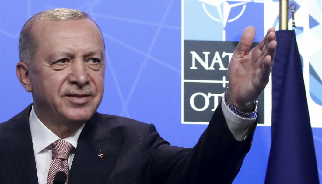 VÅPENHVILE: Tyrkias president Recep Tayyip Erdogan (bildet) møtte sin franske kollega Emmanuel Macron på Nato-toppmøtet denne uken, og nå er landene enige om å dempe retorikken og inngå det Frankrikes utenriksminister kaller en «verbal våpenhvile».