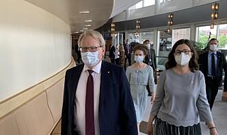 Skjebnedøgn for Sveriges populære forsvarsminister