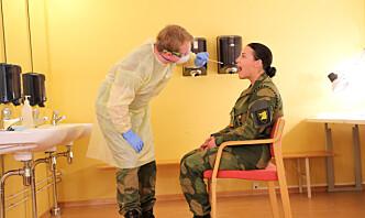 22 soldater smittet etter barbesøk