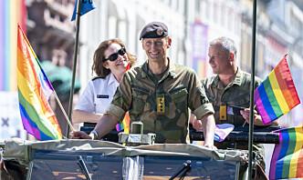 For første gang deltok en forsvarssjef i Pride-paraden