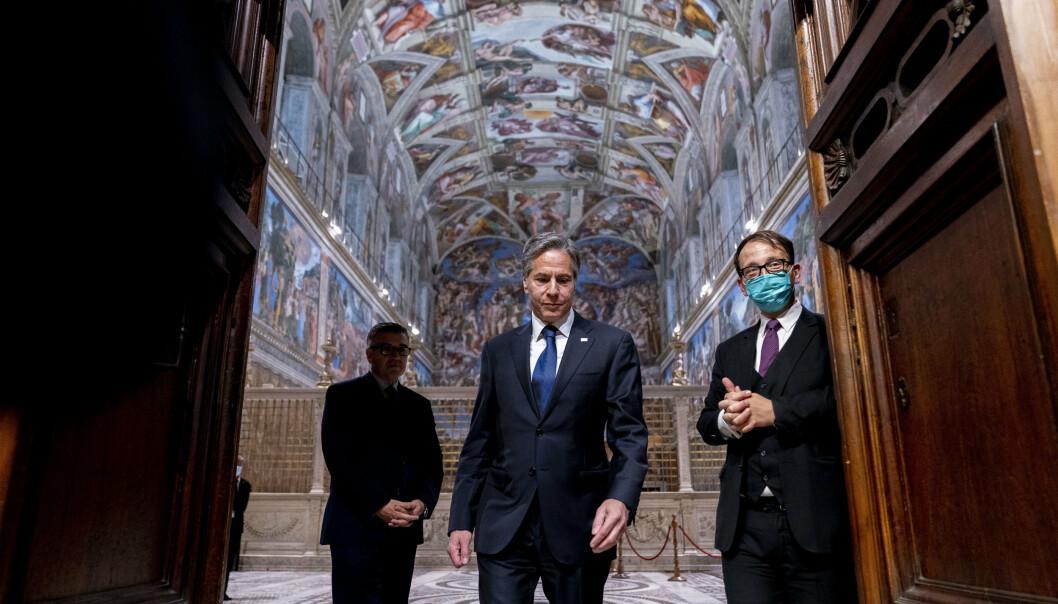 AVSKREKKENDE: USAs utenriksminister Antony Blinken sa til journalister i Roma mandag at han håper nylige angrep av proiranske grupperinger i Irak har en avskrekkende effekt.