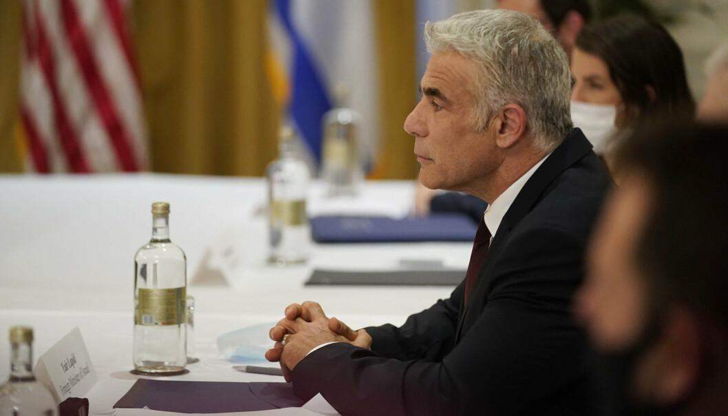 BESØK: Israels utenriksminister Yair Lapid innleder tirsdag et to dager langt offisielt besøk i De forente arabiske emirater. Bildet er tatt da han var i Roma i helgen.