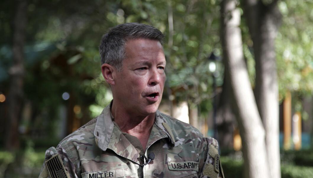 AFGHANISTAN: USAs øverstkommanderende i landet, general Austin S. Miller, snakker med pressen i Kabul i Afghanistan.
