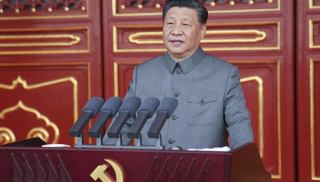TALE: Kinas president holdt en TV-sendt tale på Den himmelske freds plass under 100-årsfeiringen av Kommunistpartiet torsdag.
