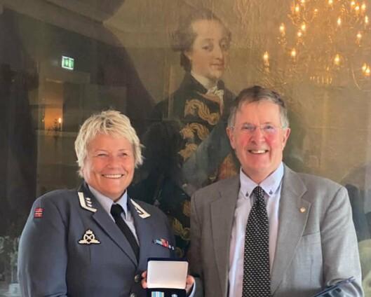 Kjell Reidar Bugge fikk Luftforsvarets fortjenstmedalje