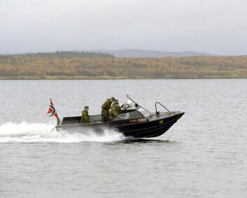 Patruljebåt på grunn i Pasvik – en person til sykehus