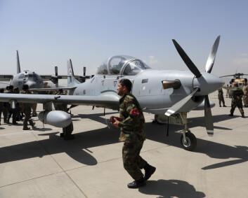 Militærfly gjenopptar evakuering fra Kabul