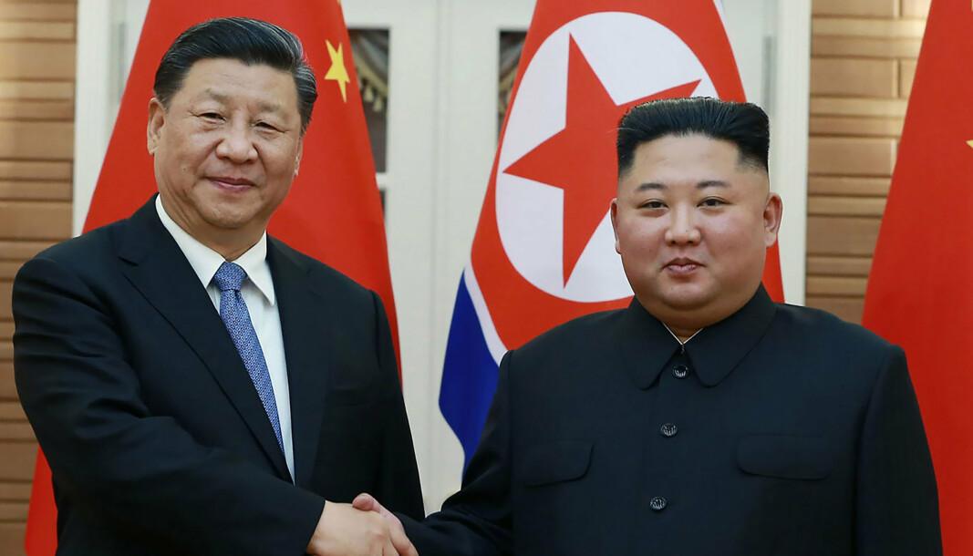 ØNSKER STERKER BÅND: Kinas president Xi Jinping og Nord-Koreas statsleder Kim Jong-un, her under et møte i Pyongyang i 2019.