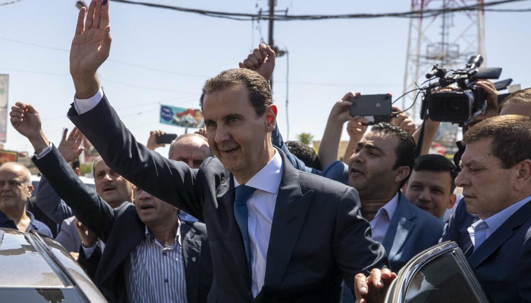 ØKENDE PRISER: Syrias president Bashar Assad gir lønnsøkning til soldater, mens landet sliter med en hardt rammet økonomi med stadig økende priser.
